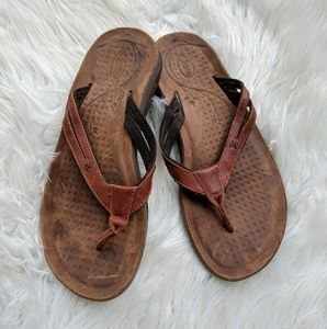Chaco leather flip flop sandals